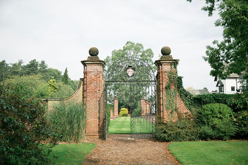 inglewood manor gates on a summer wedding